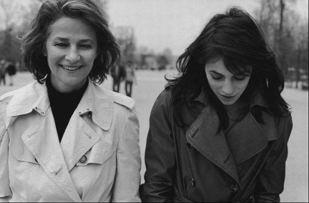 charlotte-gainsbourg-rampling-trench-3