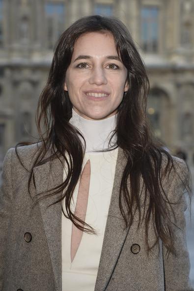 charlotte-gainsbourg-louis-vuitton-fashion-week-paris-hiver-2014-2015-14