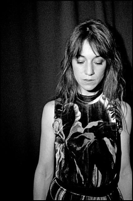 Charlotte Gainsbourg photographiée par Bruce Gilden à la Fete de la Musique 2010