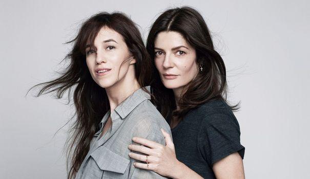 Charlotte Gainsbourg et Chiara Mastroinanni partagent l'affiche de Trois coeurs, en salle le mercredi 17 septembre. Ralph Mecke/H&K